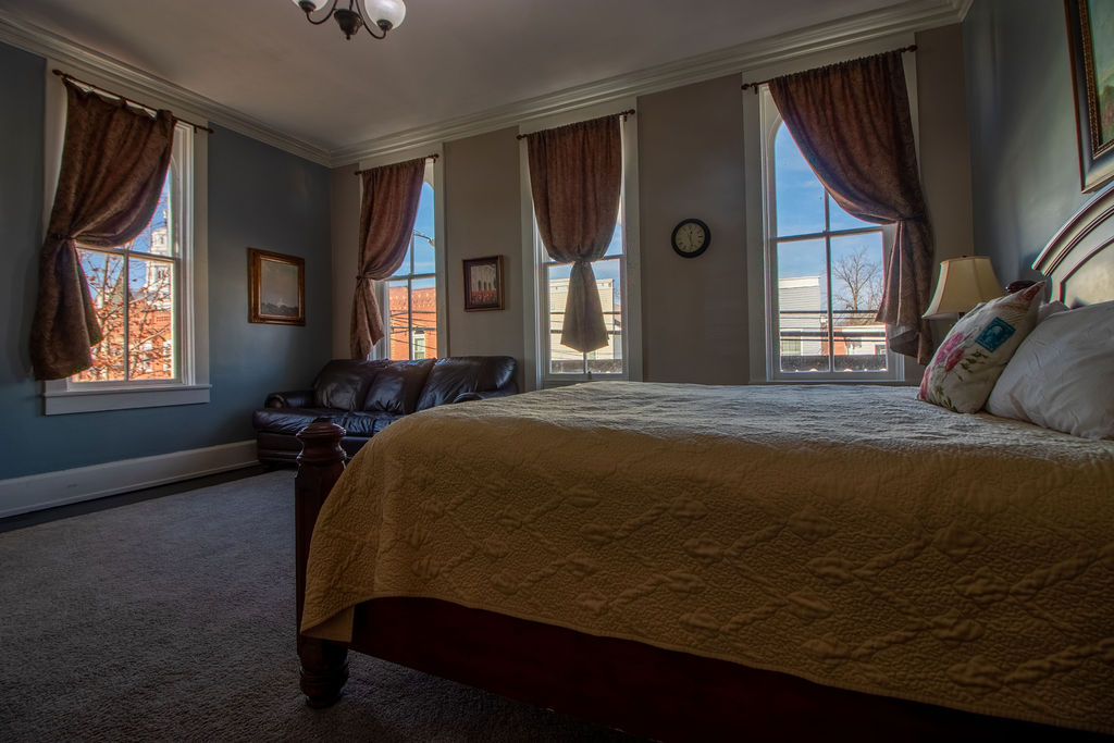 Nauvoo Hotel room with view